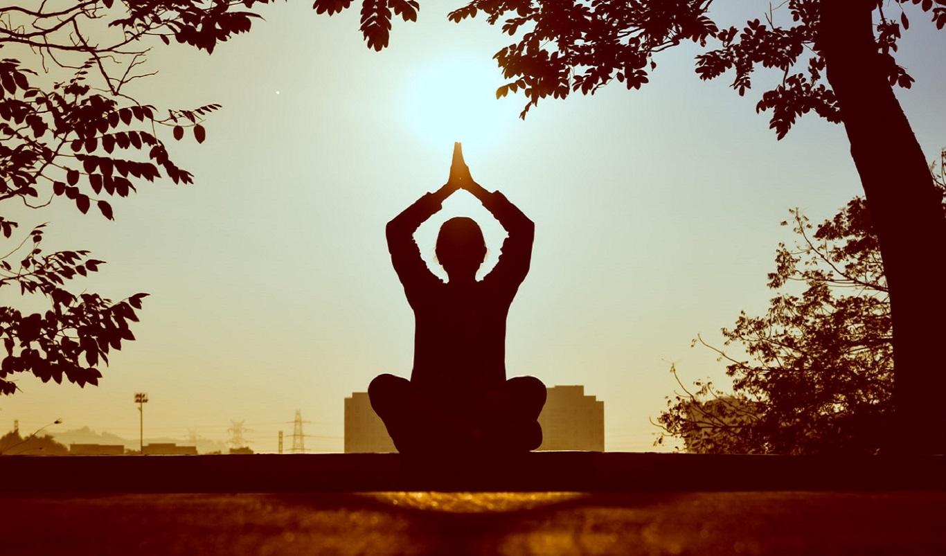 medytacja w parku